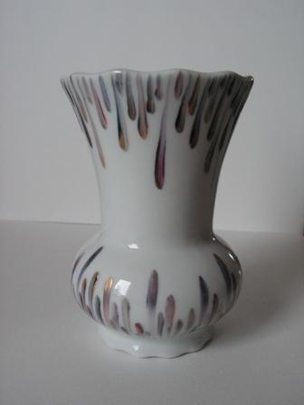 vase-porcelaine-decore-main