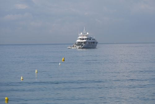 http://sd3.archive-host.com/membres/images/1336321151/balades/Toscane/yacht.jpg