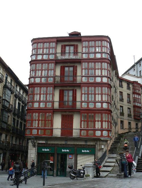 http://sd3.archive-host.com/membres/images/1336321151/balades/bilbao/2009/B1_CV1.jpg