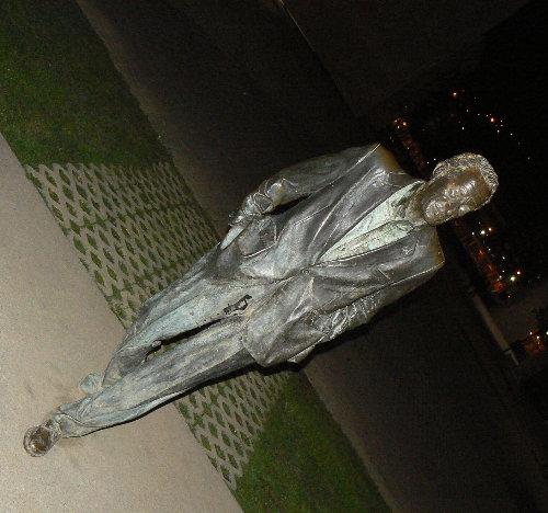 http://sd3.archive-host.com/membres/images/1336321151/balades/bilbao/2009/B1_G3.jpg