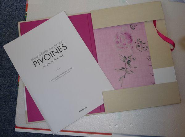 http://sd3.archive-host.com/membres/images/1336321151/mth/livres/Pivoines/teasing1.jpg